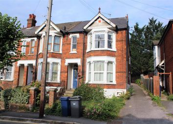 2 bed flat for sale in Priory Avenue, High Wycombe HP13