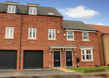 Thumbnail 3 bed town house for sale in Greenwich Park, Kingswood, Hull