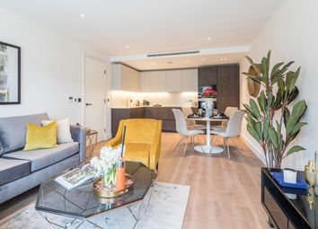 Thumbnail 1 bed flat for sale in Bishops Gate, Fulham High Street, London