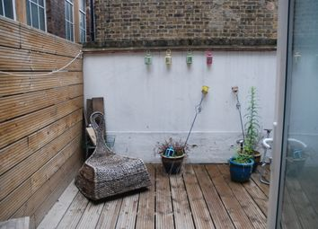 Thumbnail 1 bed flat to rent in Shoredtich High Street, London