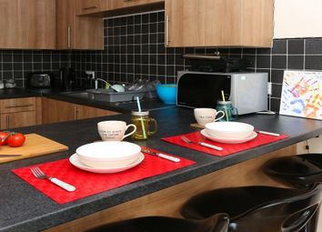 Thumbnail Room to rent in Cromwell Range, Manchester