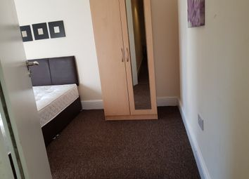 Thumbnail Room to rent in Sedgley Road West, Tipton