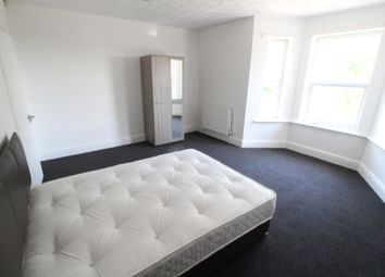 Thumbnail Room to rent in Grosvenor Road, Aldershot