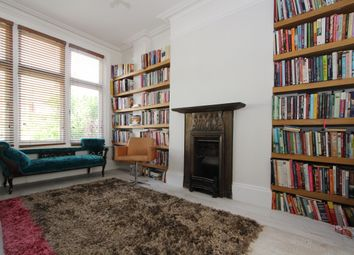 Thumbnail 6 bed flat to rent in Woodland Rise, London
