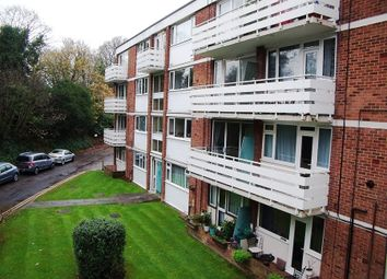 Thumbnail 2 bedroom flat to rent in Bath Road, Reading