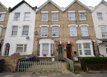 Thumbnail Flat to rent in Holly Park Road, Friern Barnet, London