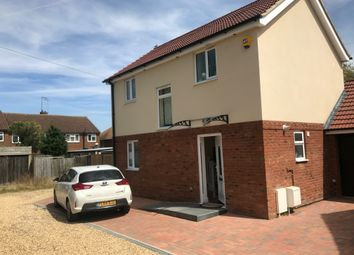 Thumbnail 3 bed detached house to rent in Shelley Road, Luton