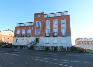 2 bed flat to rent in Dragon Road, Hatfield AL10
