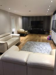 4 bed bungalow to rent in Warwick Road, Ashford TW15