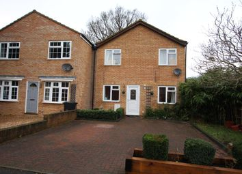 Thumbnail 3 bed property to rent in Roundthorn Way, Woking