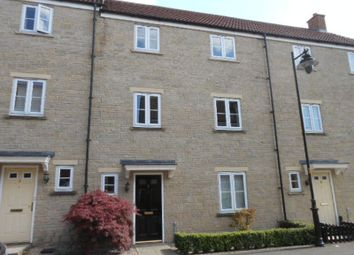 Thumbnail 4 bed town house to rent in Linnet Road, Calne