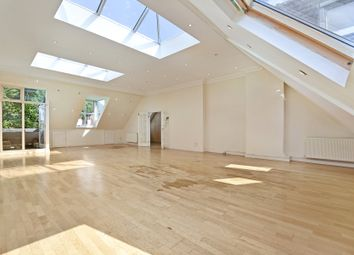 4 bed maisonette to rent in Compayne Gardens, South Hampstead, London NW6