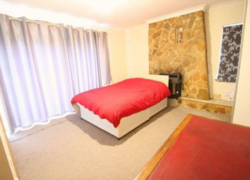 Thumbnail Room to rent in Lawn Avenue, West Drayton