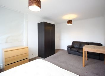 Thumbnail 4 bedroom shared accommodation to rent in Cable Street, Tower Hill, London