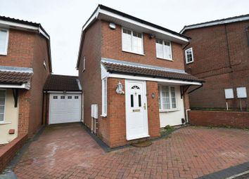 Thumbnail 3 bed detached house to rent in Rochford Drive, Luton