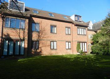 Thumbnail 1 bed flat to rent in Bonehurst Road, Horley
