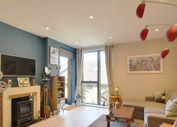 Thumbnail 1 bed flat for sale in Bardsley Lane, London