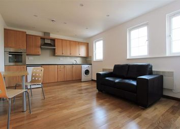 Thumbnail 1 bed flat to rent in Elm Grove, Criclewood, London