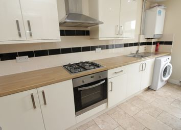 3 bed flat to rent in Richmond Crescent, Roath, Cardiff CF24
