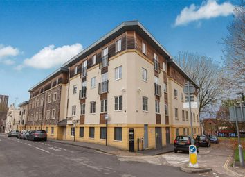 2 bed flat for sale in Cabot Court, Braggs Lane, Bristol, Somerset BS2
