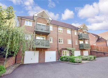 2 bed flat for sale in College Avenue, Maidstone, Kent ME15
