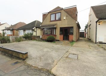 Thumbnail 3 bed detached house to rent in Lambeth Road, Benfleet