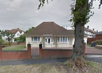 Thumbnail 3 bed bungalow to rent in Shirley Church Road, Croydon