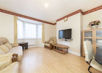3 bed flat for sale in Cornwall Avenue, London E2
