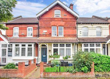 Grove Hill, London E18. 3 bed flat