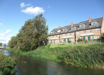 Thumbnail 3 bed town house to rent in Ivel Bury, Biggleswade