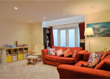 Thumbnail 2 bed town house for sale in Vale Row, Highbury