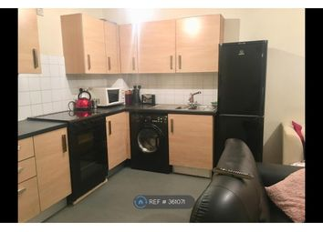 Thumbnail 1 bed flat to rent in Kings Cross Road, London