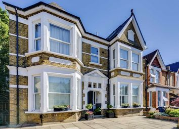 Albany Road, London W13. 2 bed flat
