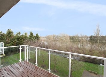 Thumbnail 2 bedroom flat to rent in Acqua House, Kew Riverside