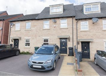 3 bed town house for sale in Barnsbridge Grove, Barnsley S70