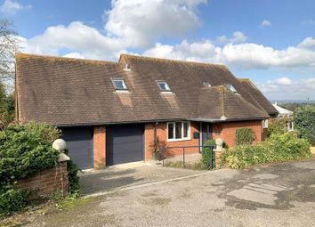 The Common, East Stour SP8. 4 bed detached bungalow to rent