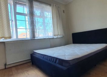 Room to rent in Summerhouse Avenue, Heston, Hounslow TW5