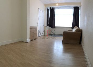 3 bed end terrace house to rent in Scotts Road, Southall UB2
