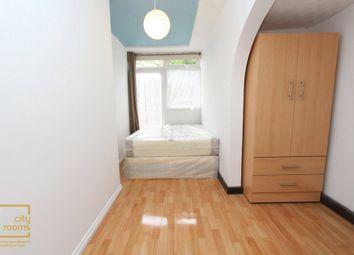Woodman Path, Hainault IG6. Room to rent