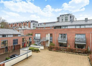 2 bed flat for sale in Staple Gardens, Winchester SO23