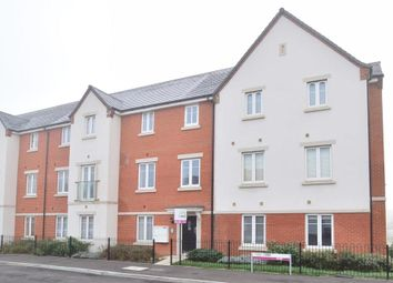 Thumbnail 2 bed flat for sale in Cornwell Avenue, Three Bridges, Crawley, West Sussex