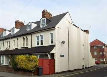 Thumbnail 2 bed flat to rent in Craven Road, Newbury