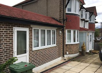 Thumbnail Studio to rent in Shaldon Drive, Morden
