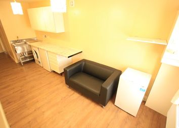 Thumbnail 1 bed flat to rent in Sutton Lane, Hounslow
