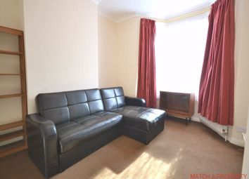 Thumbnail 2 bed flat to rent in Carlyle Road, Ealing, London