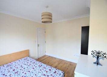 Thumbnail Room to rent in Medway Drive, Perivale, Greenford