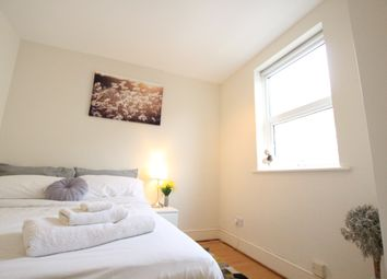 Thumbnail 3 bedroom shared accommodation to rent in Bartholomew Square, London