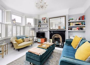 Bathurst Gardens, London NW10. 3 bed flat