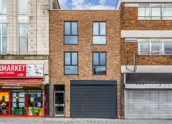 Retail premises to let in Broadway, Barking IG11