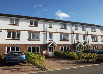 Thumbnail 4 bedroom town house to rent in Sailcloth Close, Reading